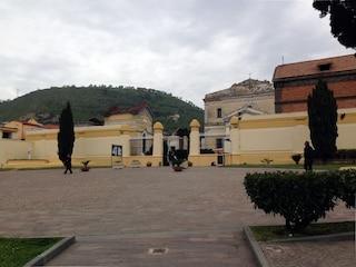 Maltempo Pozzuoli, chiuso per una settimana il cimitero