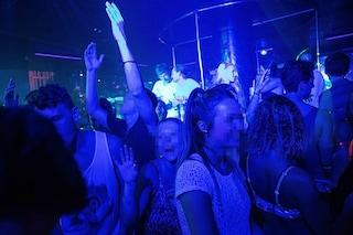 Le discoteche in Campania riaprono nel weekend: divieto di alcool d'asporto dopo le 22