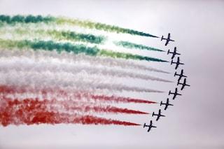 Frecce Tricolori a Napoli per la Giornata dell'Unità nazionale e delle Forze Armate