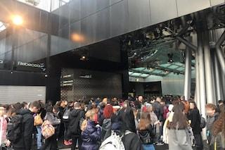 Linea 1, troppa affluenza: chiusi i tornelli nelle stazioni Garibaldi e Chiaiano
