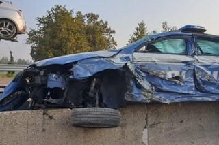 Napoli, volante si schianta mentre insegue l'auto dei ladri, due agenti in ospedale