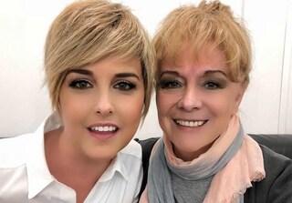 """La mamma di Nadia Toffa in tv: """"I soldi del libro andranno ai bimbi della Terra dei Fuochi"""""""
