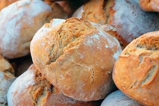 """A Napoli arriva il """"pane sospeso"""": da Pompei a Ercolano pane regalato ai poveri"""