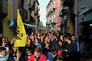 """Ponticelli, migliaia in strada per le vittime innocenti della """"strage del bar Sayonara"""""""