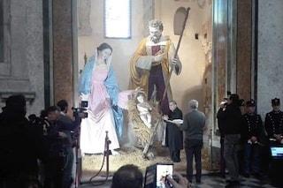 Presepe da record al Duomo di Napoli: le statue sono alte 4 metri