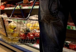 A Sapri mascherina obbligatoria al supermarket e spesa per alfabeto dopo il medico positivo