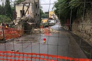 Napoli, crolla il palazzo messo in sicurezza giovedì: subito richiusa via Nicolardi