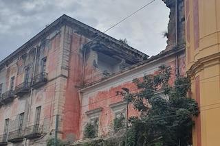 Crolla muro di Villa Favorita a Ercolano: dramma nel palazzo del Settecento