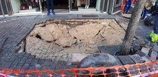 Napoli, strade colabrodo: sono un flop i rattoppi con i fondi dell'ex Provincia