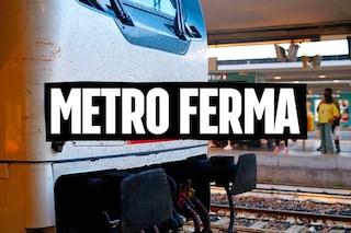 Napoli, passeggeri esasperati bloccano binari della metro: Linea 1 ferma per più di 3 ore