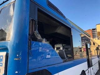 Napoli, distrutto autobus Eav con a bordo tifosi del Genk