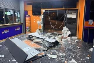 Cardito, furto con spaccata al Punto Snai: parete distrutta con un furgone