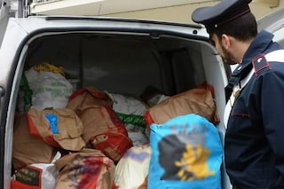 Casoria, camionista ruba mille euro di cibo dal furgone della sua ditta
