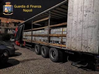 Gasolio di contrabbando dalla Polonia a Napoli, sequestrati 27mila litri dalla Finanza