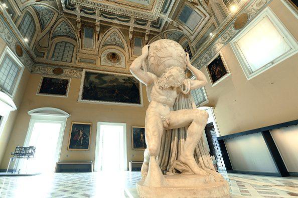 """Anche l'Atlante Farnese fa parte del percorso espositivo """"Thalassa, meraviglie sommerse dal Mediterraneo"""" inaugurato lo scorso 12 dicembre al MANN."""