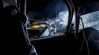 Incidente a Ischia, perde il controllo dell'auto e finisce contro un muro: morta una donna