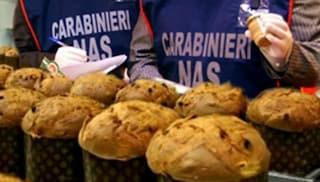 Napoli, sequestrati dolci natalizi e chiusi diversi laboratori di pasticceria