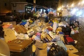 Salvator Rosa, incrocio della vergogna: a terra oltre 200 kg di rifiuti