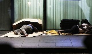 Maltempo e gelo, a Napoli stazioni della metro aperte di notte per i senzatetto