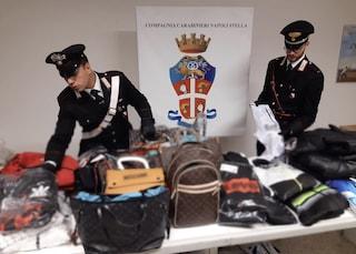 Napoli, 800 vestiti, cd e dvd contraffatti: raffica di sequestri al centro storico