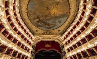 Diretta Rai per La Scala e non per il San Carlo: la polemica del sindaco de Magistris