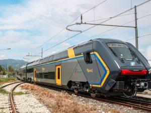 """Il treno modello """"Rock"""" di Trenitalia."""