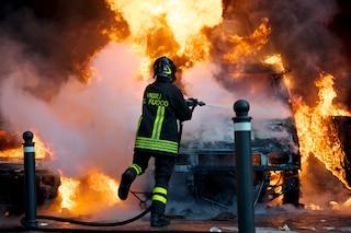 Capannone distrutto dalle fiamme a Boscoreale: un morto, forse un bracciante agricolo