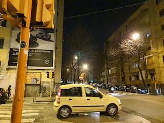 Via Simone Martini, semafori spenti e buche in strada, alto rischio incidenti