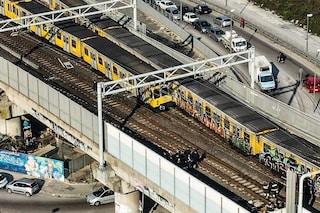 Incidente metro Napoli 1: sotto sequestro 3 treni e scatole nere. Ipotesi guasto nel sistema