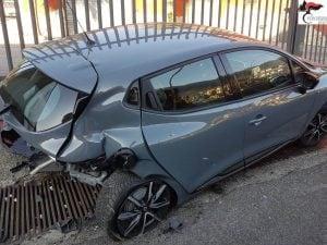 Una delle due auto coinvolte nell'incidente.