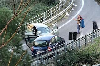 Incidente ad Arzano, scontro frontale tra due auto sulla rampa dell'asse mediano