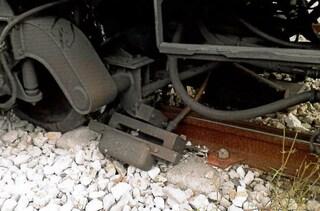 """Sicurezza sulla metro Linea 1, denuncia in Procura già nel 2014: """"Crepe nei carrelli"""""""