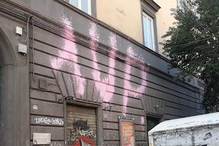 Monumenti deturpati da scritte e graffiti: dossier Napoli, l'elenco dei siti danneggiati