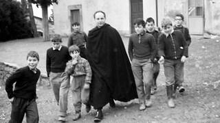 A prof e genitori che vogliono a scuola classi di studenti ricchi fate leggere don Milani
