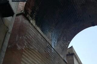 Piove dal Ponte di Corso Vittorio Emanuele: Comune approvò lavori urgenti, ma non li ha mai fatti