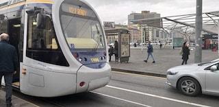Napoli, si guasta subito il tram: sospesa la Linea 1