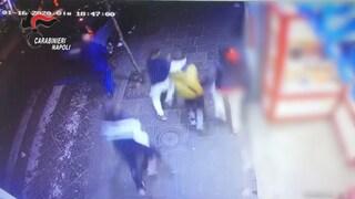 Napoli, 4 minorenni accoltellano un coetaneo: coinvolti anche negli scontri con polizia al Buvero