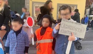 Carnevale 2020, a Napoli spunta il bimbo vestito da consigliere Francesco Borrelli