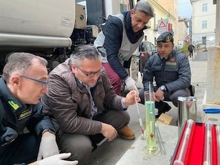 Gasolio di contrabbando a Caserta: sequestrato un carico da 13mila litri, due denunciati