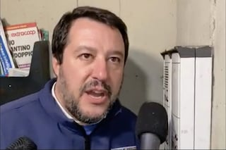 Matteo Salvini a Napoli 'evita' Scampia. Forse perché lì non è il caso di citofonare?
