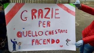 """Coronavirus Napoli, bimba dona disegno a carabinieri: """"Grazie per quello che fate"""""""