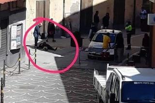 Acerra, spari in strada dopo una lite: ferito un uomo, colpito di striscio passante