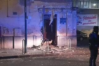San Giovanni a Teduccio, bomba distrugge l'ingresso di una tabaccheria