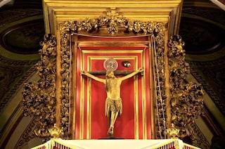 Coronavirus: Basilica del Carmine, esposto Crocifisso dei Miracoli. Come durante la Peste del 600