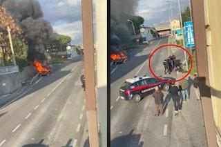 Salerno, fugge al posto di blocco e si schianta con l'auto: poi la colluttazione con i carabinieri