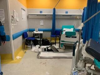 Ospedale Pellegrini devastato: chieste condanne fino a 9 anni per familiari di Ugo Russo