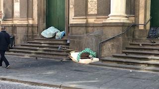 """Coronavirus, a Napoli senza tetto allo sbando: """"Chiusi i servizi, è un dramma"""""""