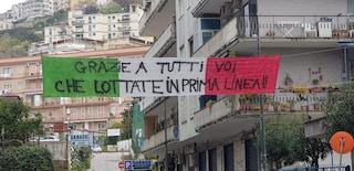 A Napoli un tricolore per i medici che lottano contro il coronavirus: 'Grazie a tutti voi'