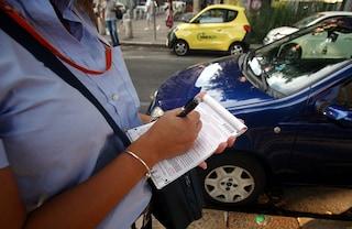 Ausiliare del traffico picchiato dopo una multa a Corso Garibaldi di Napoli