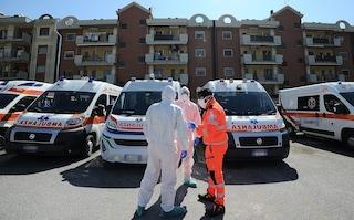 In Campania tornano le code di ambulanze davanti agli ospedali Covid. Accade a Scafati (Salerno)